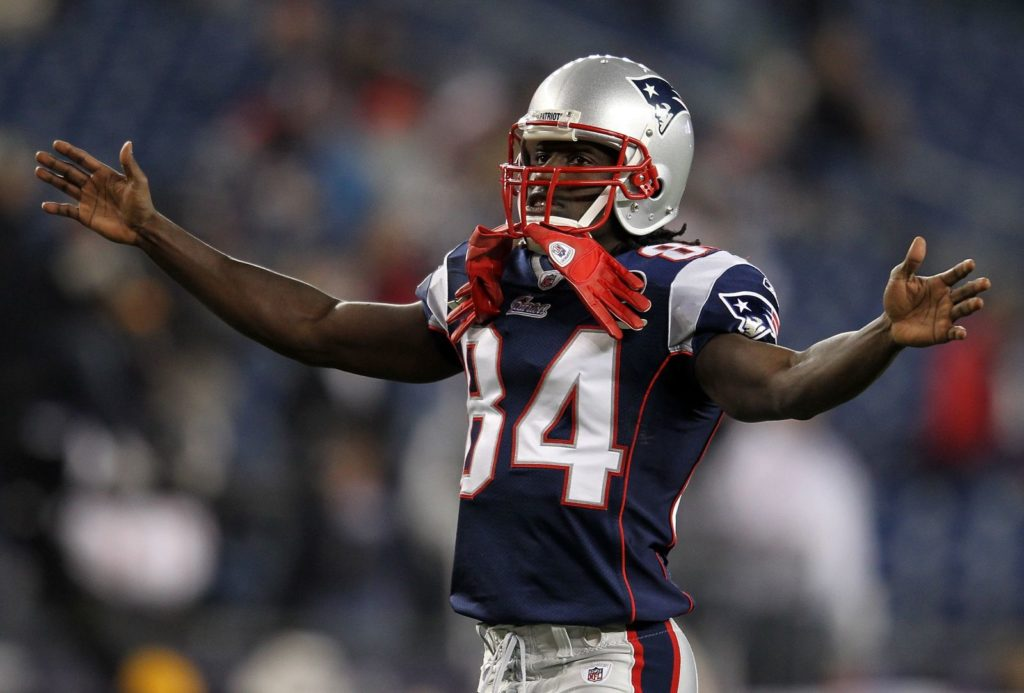 Deion Branch thinks Bill Belichick will handle AB...