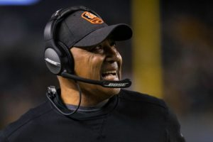 Marvin Lewis, Antonio Pierce named co-defensive...