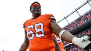 Report: Broncos likely to tender Elijah Wilkinson...