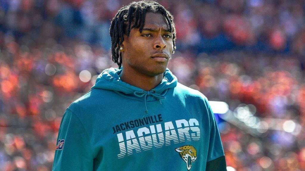 Jaguars' owner Shad Khan thinks Jalen Ramsey will...